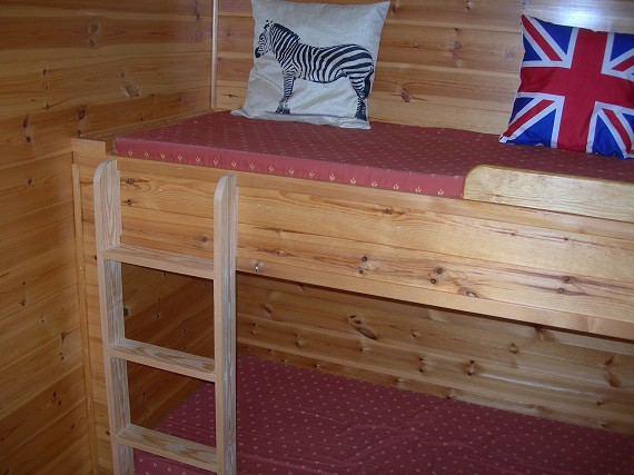 mini camping lodge - sleeping bunks